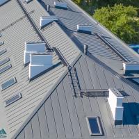 Katuseredelid ja käigusillad, katuseaknad, läbiviigud